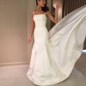 Carolina Herrera Wedding Dress.New Carolina Herrera Silk Mikado Wedding Dress Sz2